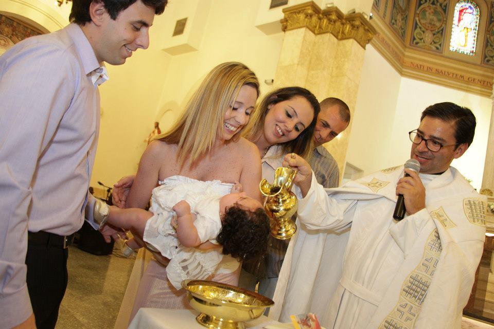 E a pequena está batizada <3