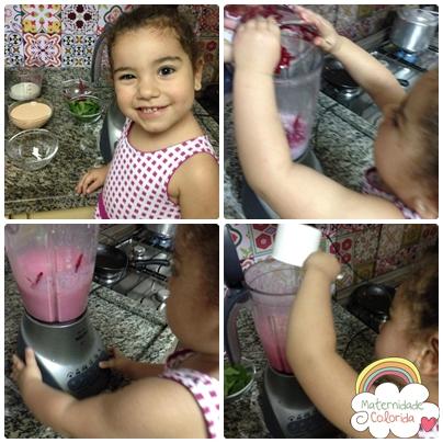 Clara se divertindo na cozinha!