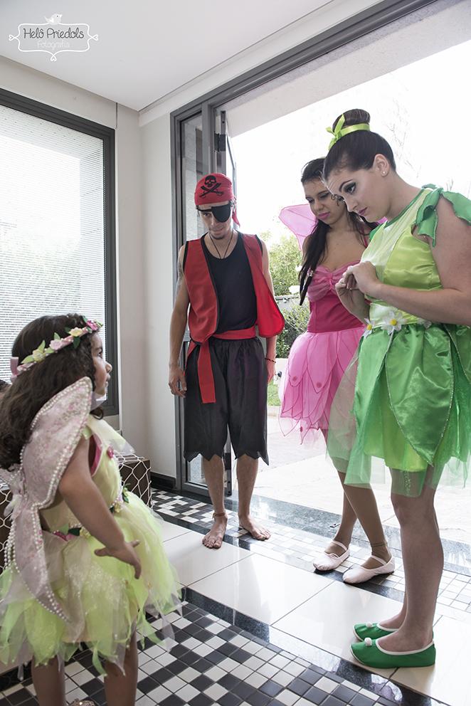 """- Mamãe, as fadinhas e o pirata """"tá"""" na minha festa!"""