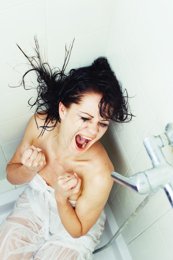 cansaço de mãe e a fuga pro banheiro